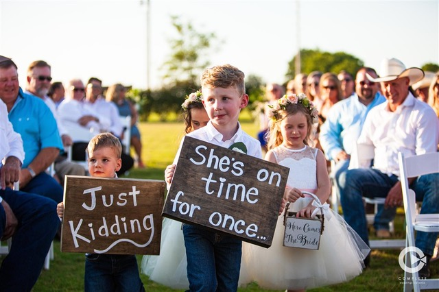 How to Incorporate Kids Into Your Wedding