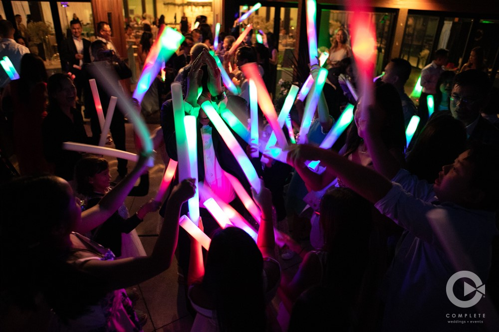 Light sticks, unique wedding receptions, Park Inn, Mechanicsburg