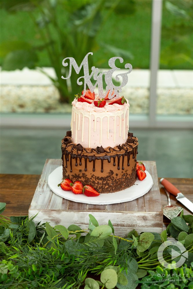 Wedding cake with strawberries